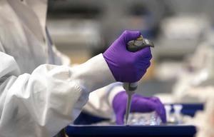 Chia sẻ của người đầu tiên trên thế giới tham gia thử nghiệm vaccine chống Covid-19