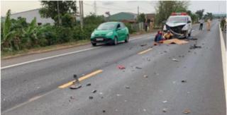 Tông trực diện vào xe cứu thương chở quan tài, thanh niên tử vong tại chỗ