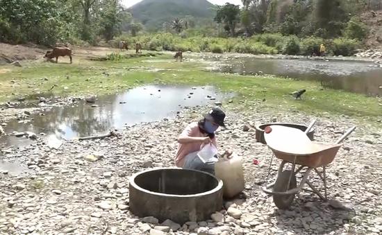Tin tức trong ngày 17/4, người dân Ninh Thuận thiếu nước sinh hoạt nghiêm trọng do khô hạn