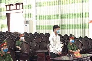 Thanh niên lĩnh 9 tháng tù vì đâm xe vào lực lượng chống dịch Covid-19