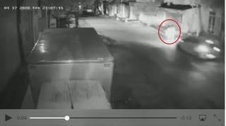 Truy tìm tài xế ô tô tông 2 chị em đi tập thể dục thương vong rồi bỏ trốn