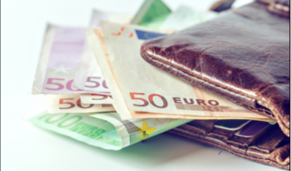 Tỷ giá euro hôm nay 18/4: Giảm duy nhất tại 1 ngân hàng chiều mua vào