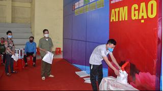 Hà Nam triển khai cây ATM gạo đầu tiên để hỗ trợ người nghèo
