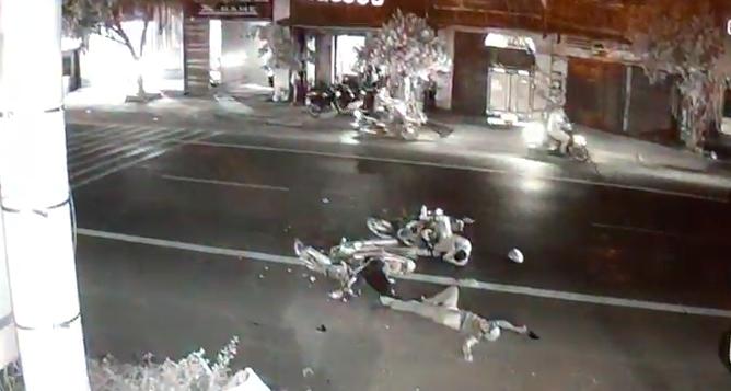Hai xe máy đấu đầu, một người đàn ông tử vong