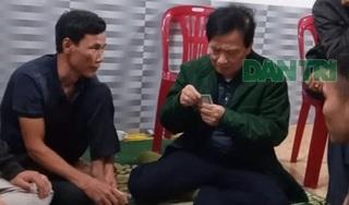 Trực phòng chống dịch, Chủ tịch xã say sưa đánh bạc cùng nhiều người