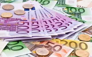 Tỷ giá euro hôm nay 3/8: Sacombank giảm tới 654 đồng chiều bán ra
