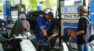 Giá xăng dầu hôm nay 22/4: Giá dầu thô vẫn dưới mốc 10 USD/thùng