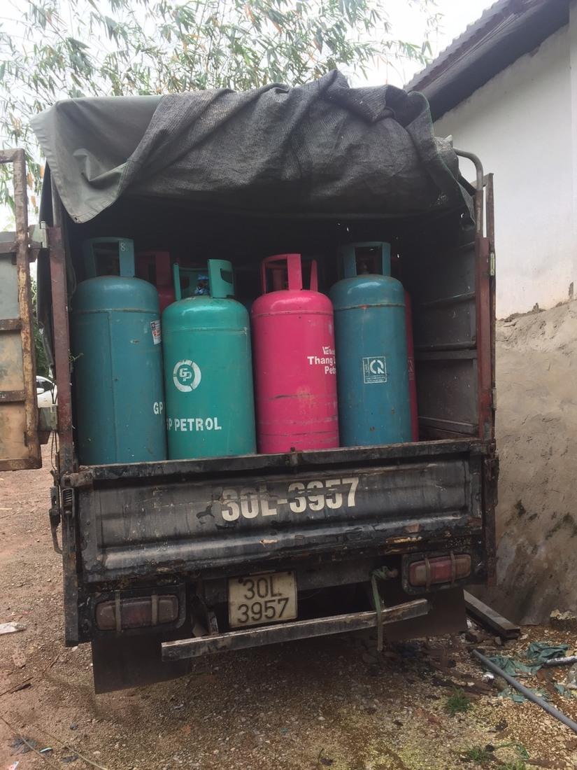 Bắc Giang: Chiết gas trái phép từ Petrol Việt Nam sang Thăng Long gas