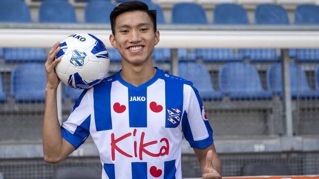 Lãnh đạo Hà Nội FC úp mở về tương lai của Đoàn Văn Hậu