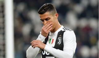 Douglas Costa: 'Ronaldo không phải là cầu thủ hay nhất Juventus'