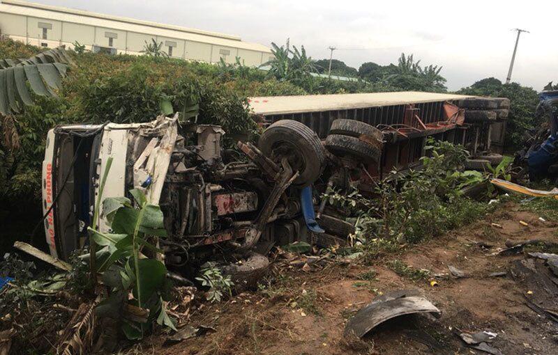 Xe container tông nhau, 1 người chết, 1 người bị thương nặng