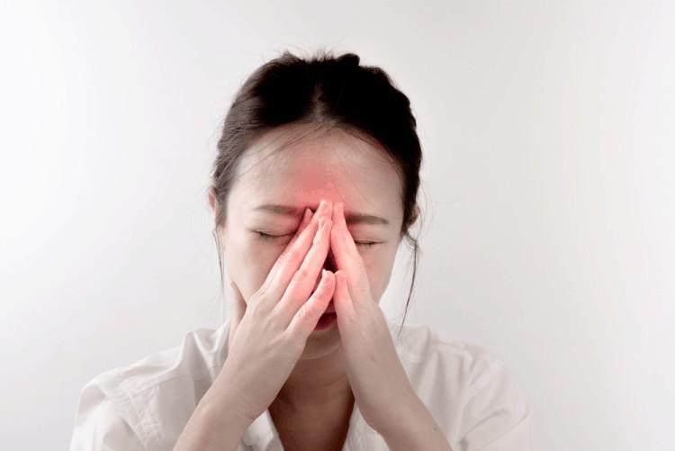 chữa ngạt mũi khi mang thai