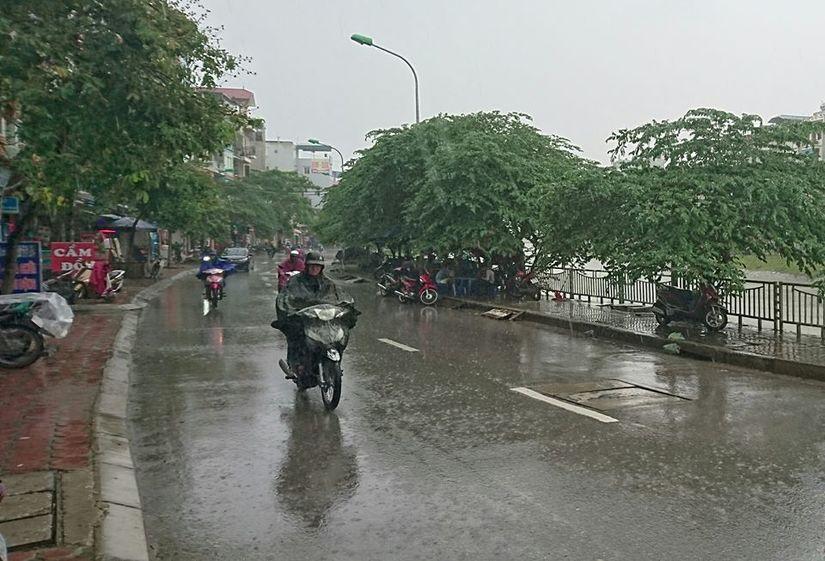 Tin tức thời tiết ngày 26/4/2020, Bắc Bộ có mưa rải rác, Nam Bộ có nơi nắng nóng