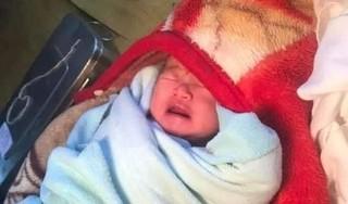 Yên Bái: Bé gái sơ sinh bị người phụ nữ bỏ rơi trong nhà nghỉ