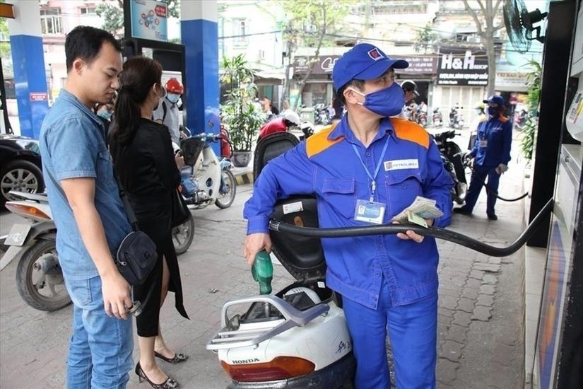 Giá xăng dầu hôm nay 27/4, giá dầu thế giới bất ngờ quay đầu giảm mạnh