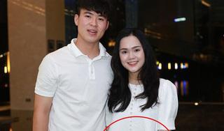 Quỳnh Anh để lộ vòng 2 to bất thường, Duy Mạnh chuẩn bị lên chức bố?