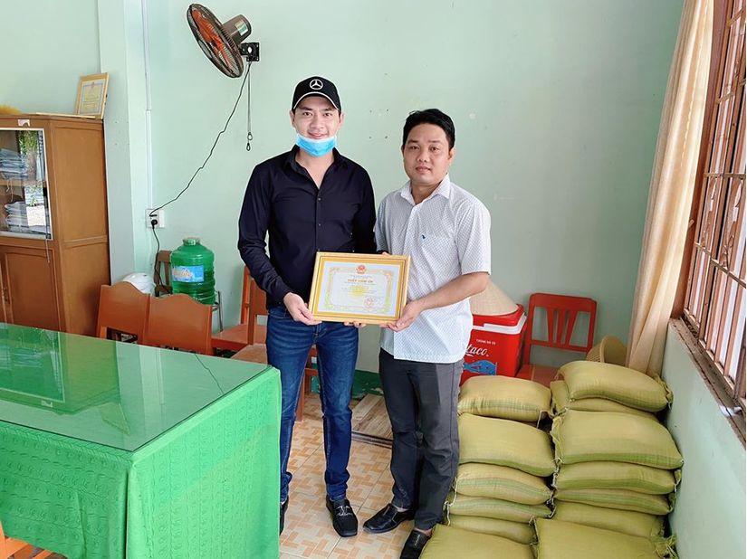 Diễn viên Minh Luân về miền Tây  từ thiện cho người dân nghèo