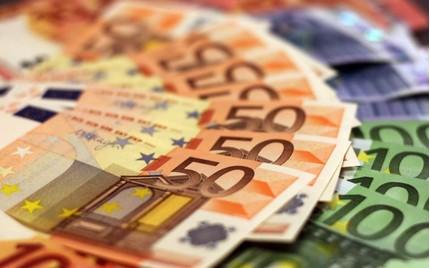 Tỷ giá euro hôm nay 1/6: Sacombank giảm tới 425 đồng