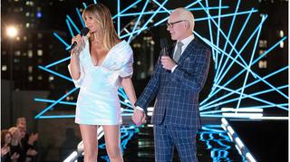 Siêu mẫu Heidi Klum diện đầm Công Trí trong show thực tế Making The Cut