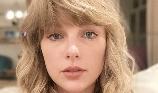 Taylor Swift khoe mặt mộc xinh đẹp khiến fan xuýt xoa