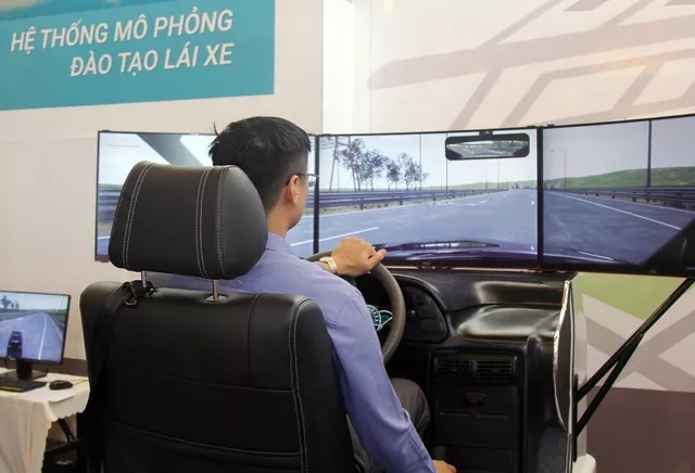 Tranh cãi về đề xuất công an sát hạch cấp bằng lái xe