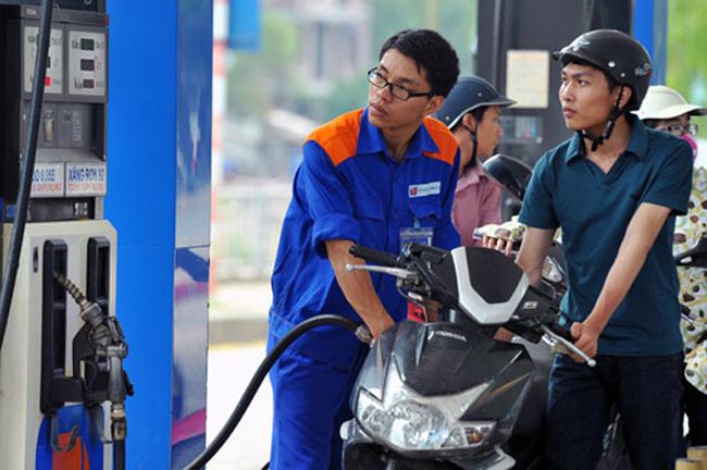 Giá xăng dầu hôm nay 29/4, trong nước giảm sâu mức kỷ lục, thế giới khởi sắc