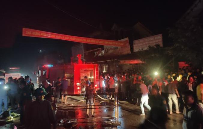 Cửa hàng điện máy bốc cháy trong đêm, thiệt hại hơn 2 tỷ đồng