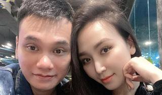 Không chịu kém cạnh vợ chồng Đông Nhi, Khắc Việt hạnh phúc khoe bà xã mang song thai