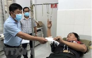 Nhóm buôn lậu hung hãn đánh cảnh sát cơ động đến nhập viện