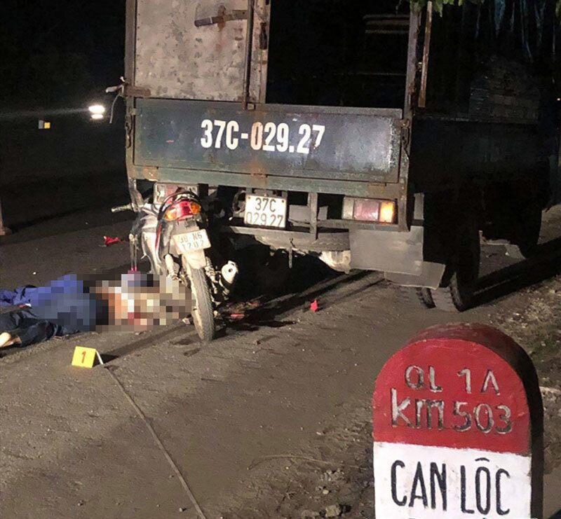 Tông vào đuôi xe tải dừng đỗ trên QL1A, người đàn ông tử vong tại chỗ