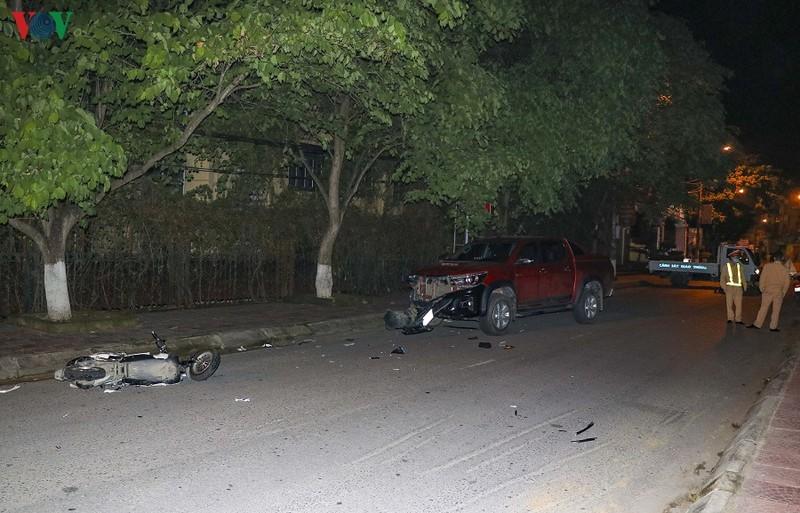 Say rượu, lái xe bán tải gây tai nạn liên hoàn đâm chết người tại Điện Biên