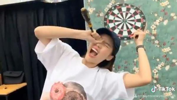 Hoa hậu Kỳ Duyên khiến fan ngỡ ngàng với gương mặt 'thừa cân'