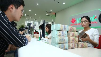 Lãi suất ngân hàng hôm nay 25/9, gửi online và gửi tại quầy cao nhất