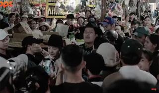 Trường Giang bị người hâm mộ bủa vây khi đi chợ