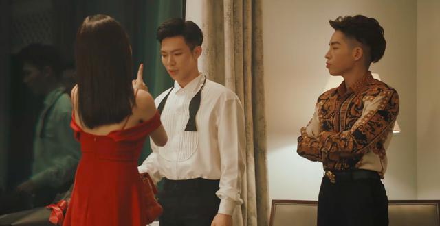 Hoa hậu Tiểu Vy xuất hiện đầy bí ẩn MV 'Em không sai, chúng ta sai' của Erik