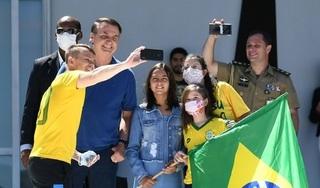Bất chấp số người chết tăng vọt, tổng thống Brazil vẫn phản đối lệnh phong tỏa