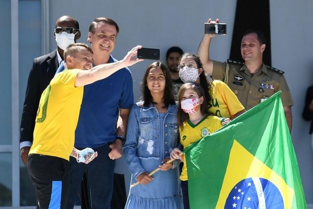 Tổng thống Brazil: Phải trả giá đắt vì lệnh phong tỏa