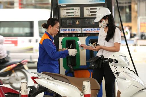 Giá xăng dầu hôm nay 5/5, giá dầu thế giới tiếp tục tăng mạnh