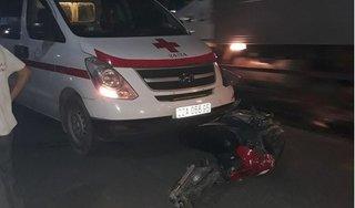 Tông trực diện xe cứu thương, nam thanh niên đi xe máy tử vong tại chỗ