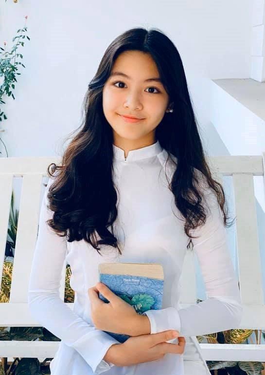 Con gái lớn nhà Quyền Linh sẽ đi thi hoa hậu?