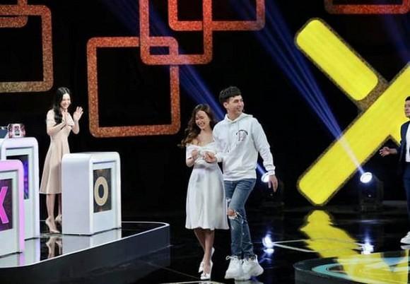 Midu công khai thả thính Hồ Quang Hiếu trên truyền hình