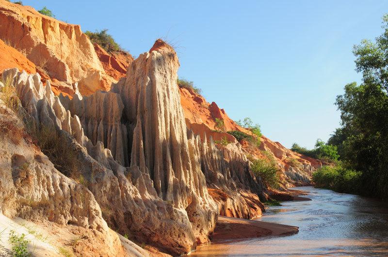 Những địa điểm nổi tiếng ở Bình Thuận khiến du khách mê mẩn4