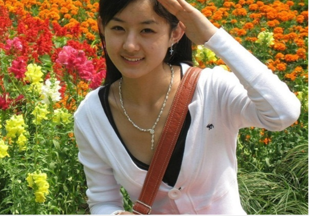 Soi ảnh thời đi học của 6 mỹ nhân Cbiz: Người hoa khôi giảng đường, kẻ khác lạ vì dao kéo