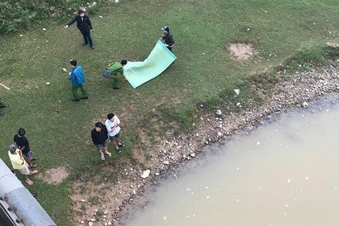 Hòa Bình: Mẹ ôm 3 con gái nhảy sông tự tử nghi do mâu thuẫn