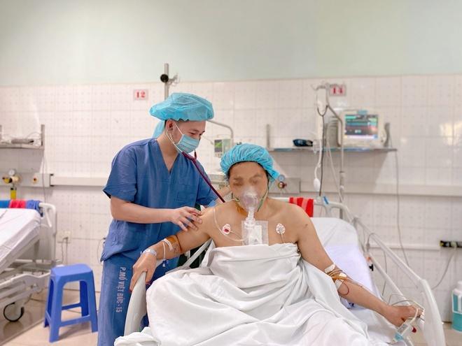 Người phụ nữ bị đạn bắn xuyên tim khi đang đi chơi thuyển