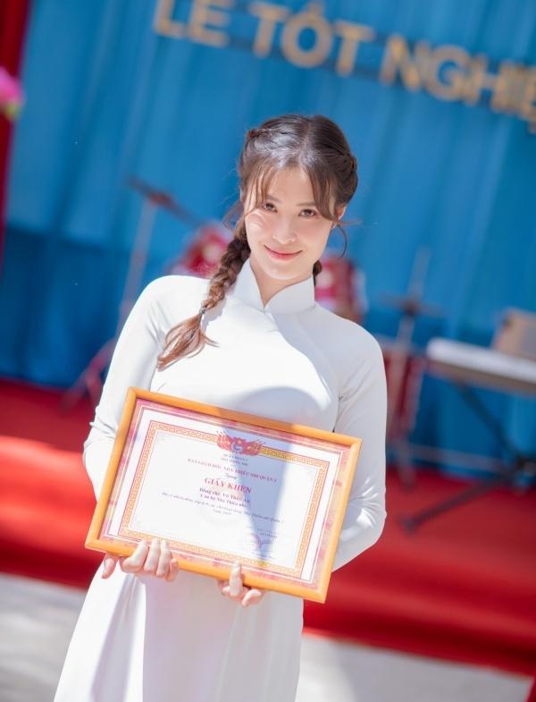 Đông Nhi lấy trọn nước mắt khán giả với MV 'Khi con là mẹ'