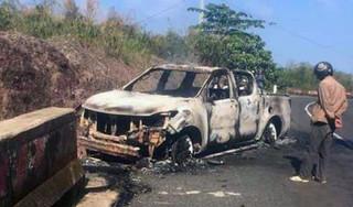 Vẫn chưa xác định được danh tính thi thể trong ô tô bán tải cháy rụi