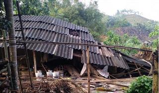 Dông lốc khiến nhiều nhà đổ sập, 9 người thương vong tại Phú Thọ