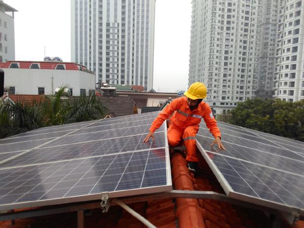 Dịch Covid-19: EVN giảm tiền điện gần 1.000 tỷ đồng cho 2,3 triệu khách