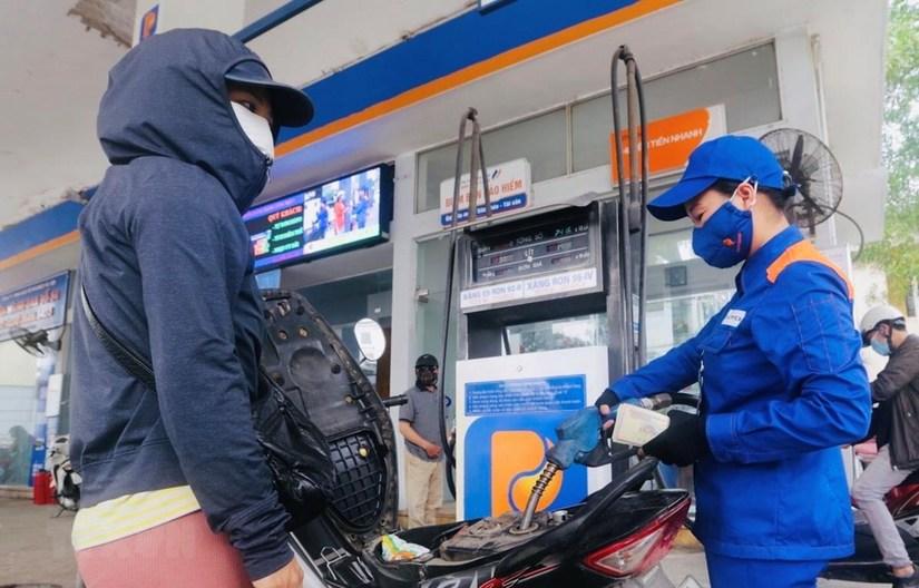 Giá xăng dầu hôm nay 11/5, giá dầu thế giới tiếp tục tăng mạnh